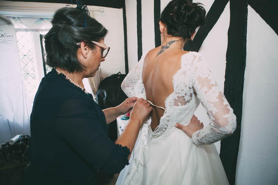 bespoke_wedding_dress_designer_london_caroline_arthur_FAY_SERRA-26